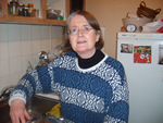 © Martine Moeykens - 2007 - Trish preparing coffee in he kitchen.